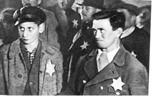 """Slowakische Juden mit der vorgeschriebenen """"Kennzeichnung"""""""
