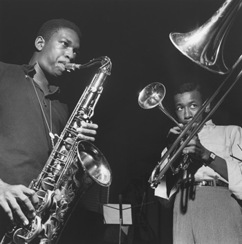 John Coltrane (links) und Lee Morgan (rechts), 1957 francis wolff. copyright: Mosaic Images LLC