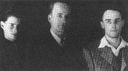 Wiedersehen im Jahre 1945 in Holland: v.l.n.r. Klaus-Albert, Jupp Weiss, Wolfgang, der in den Niederlanden während des Krieges untergetaucht war.